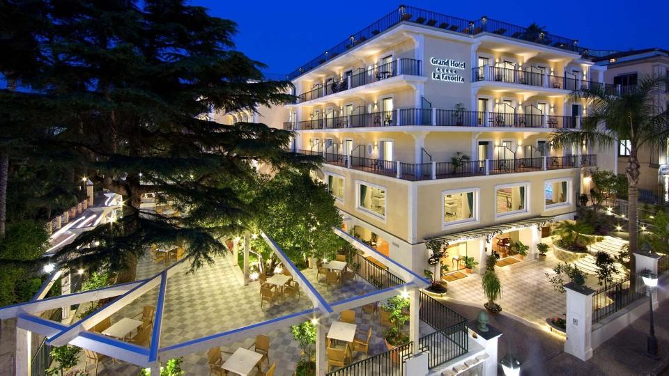 Hotel Nel Centro Di Sorrento