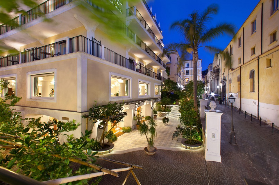 La Favorita - hotelroomsearch.net